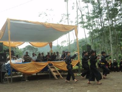 Gelar Budaya di Bulan Puasa, Ngalanglang Gunung Padang